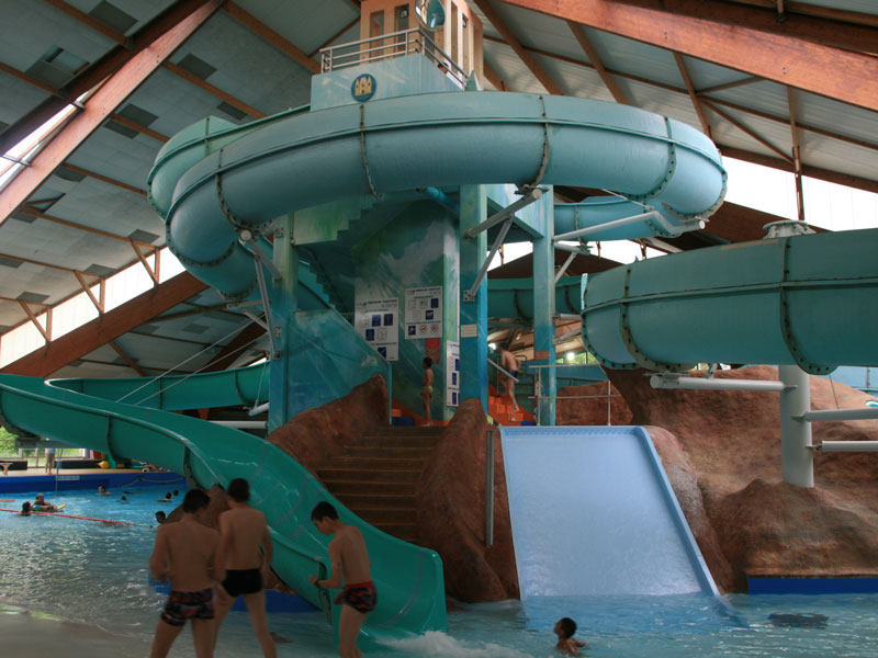 Camping chateauroux camping le rochat piscine camping for Camping toulouse piscine